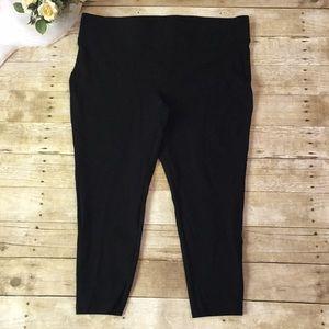 Torrid Black Capri Leggings Size 3X